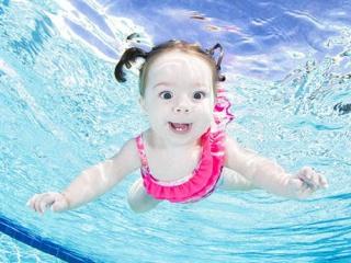 Những lưu ý khi chọn đồ bơi cho bé